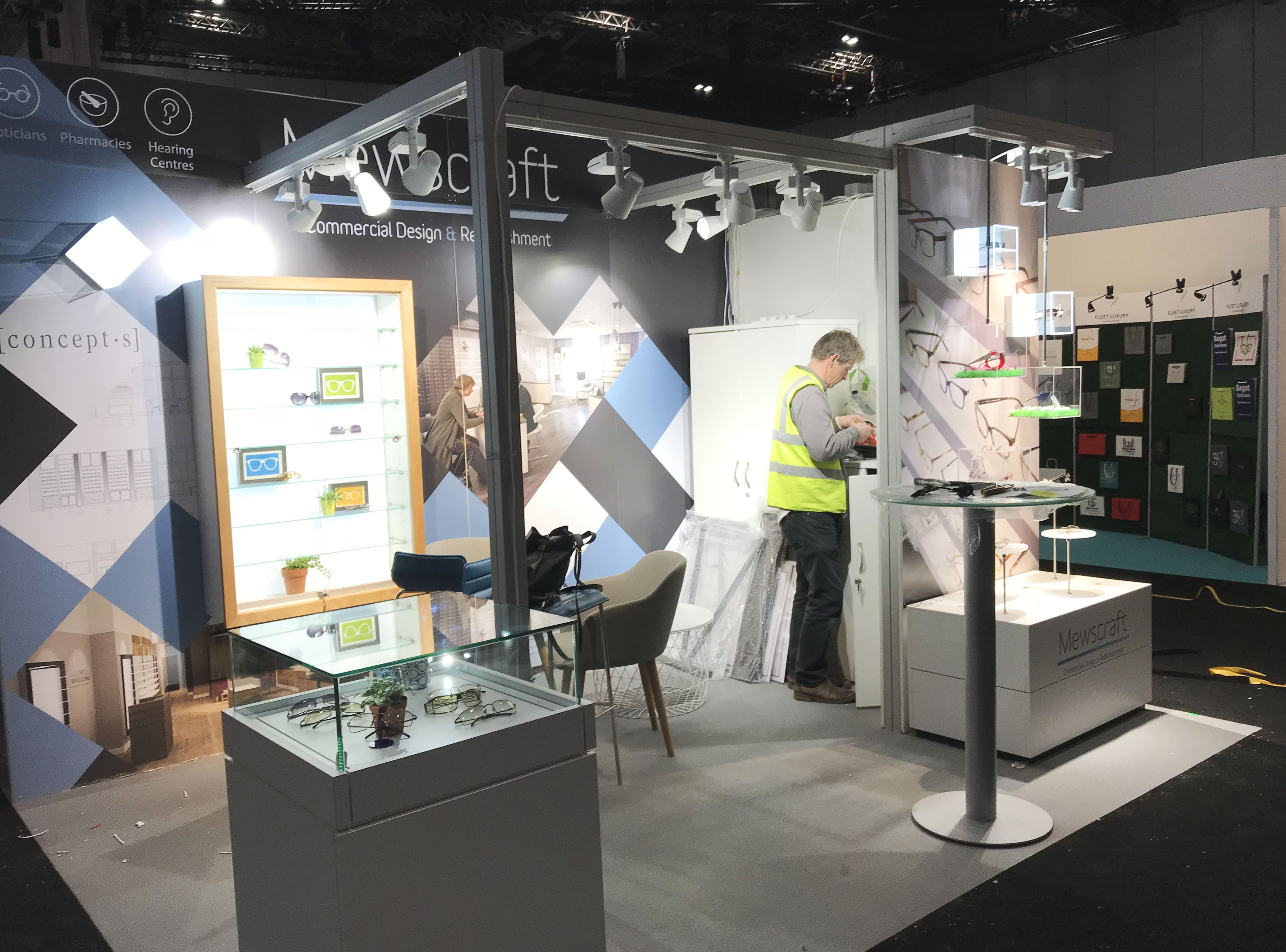 Exhibition Stand Fitter Jobs London : Optician shopfitters archives mewscraft